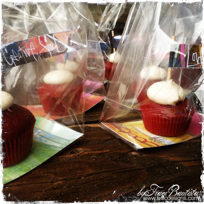 DIYpartyFLAGSbyTraciBautista_cupcakes2