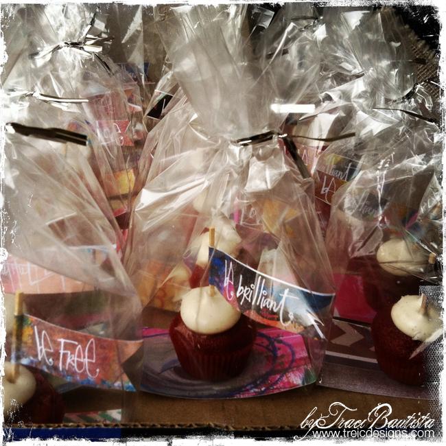 DIYpartyFLAGSbyTraciBautista_cupcakes3